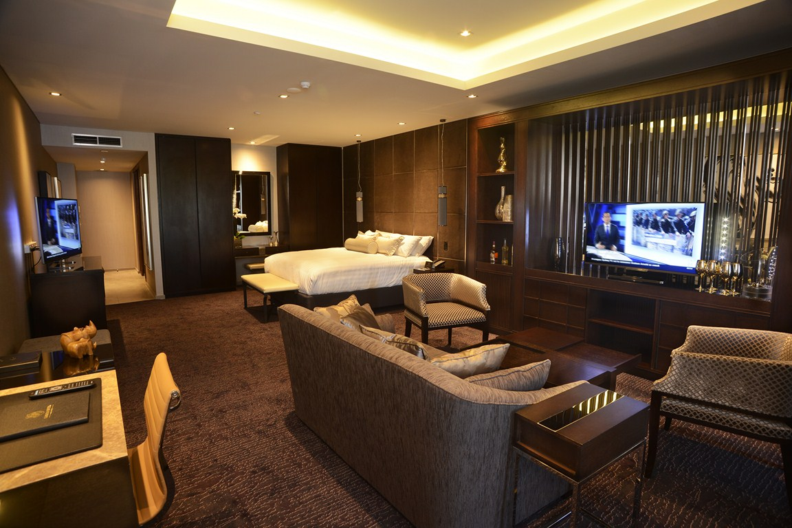 Image gallery luxury hotel suites for 5 star bedroom designs