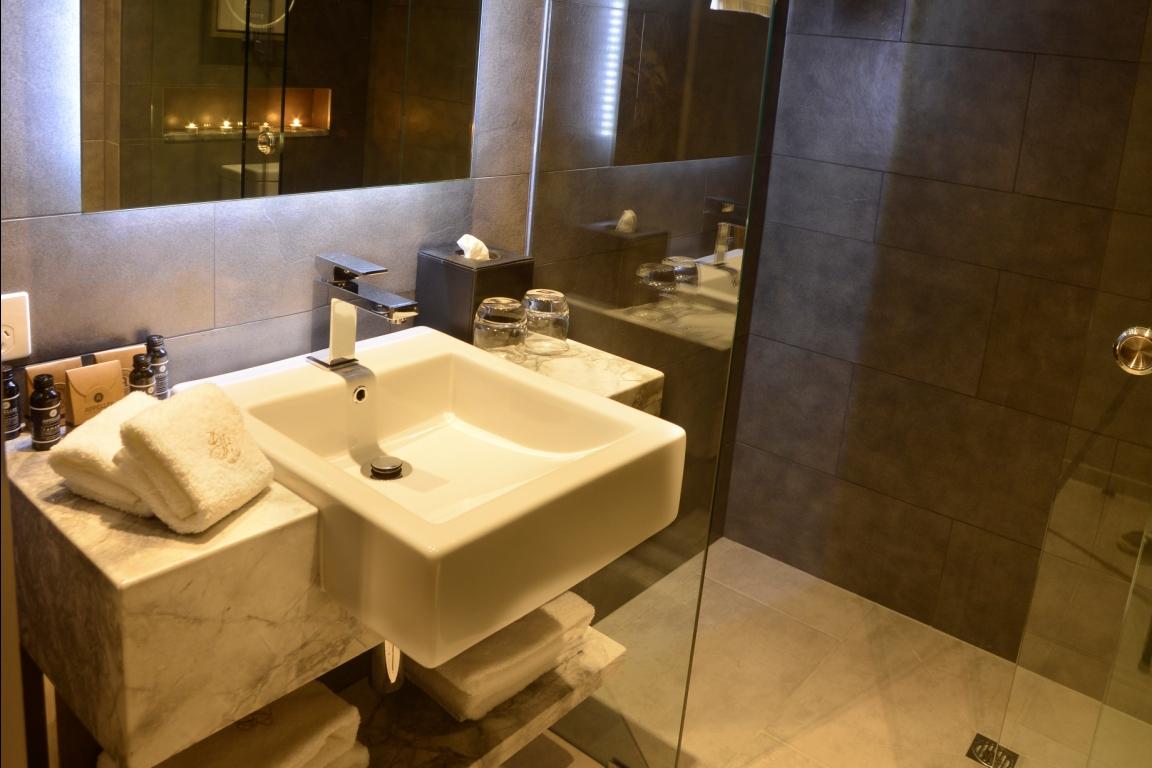 Petrie King Balcony Gambaro Hotel Brisbane Luxury